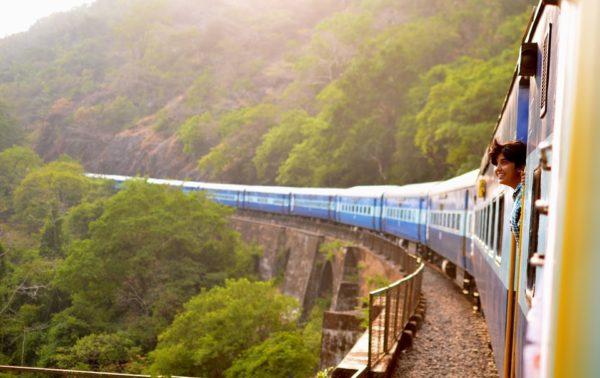 Opter pour le voyage en train, une autre manière de parcourir l'Iran